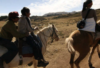 Paseos en caballo en cusco full Day